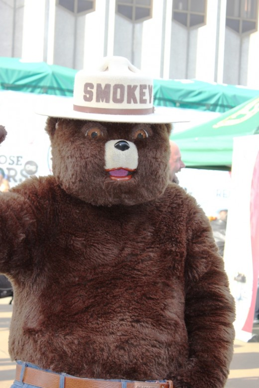 Smokey the Bear was there to meet everyone.