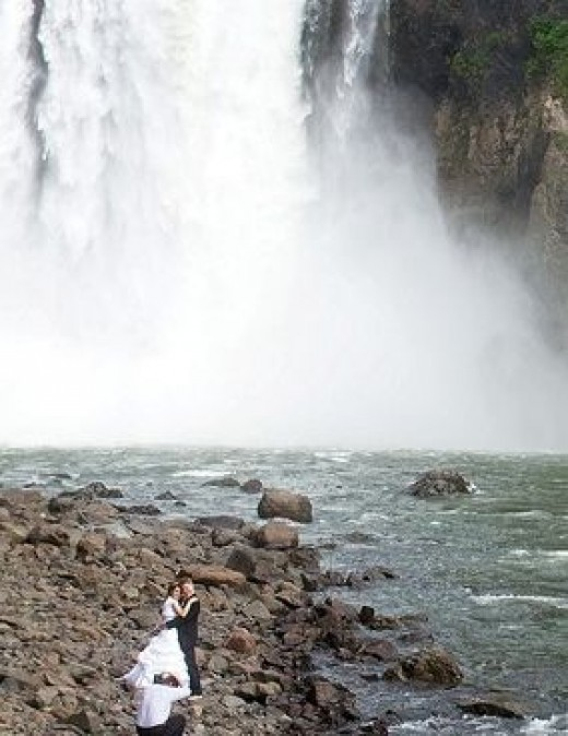 Wedding at Snoqualmie Falls