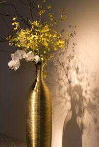 Design Tip: A simple arrangement can add elegance to a complex design. Photo Credit: scx.hu