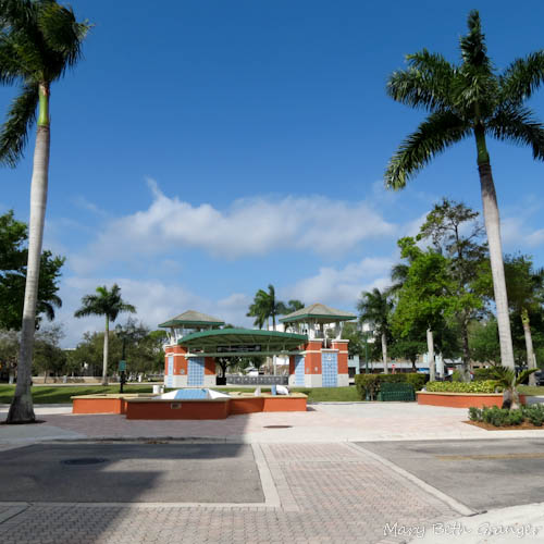 Abacoa Town Center has an area for special events.  Here you will find concerts, farmers  markets, and a place for meeting up with friends.