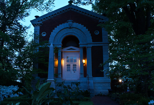 Shaw House F18 at 2 seconds.