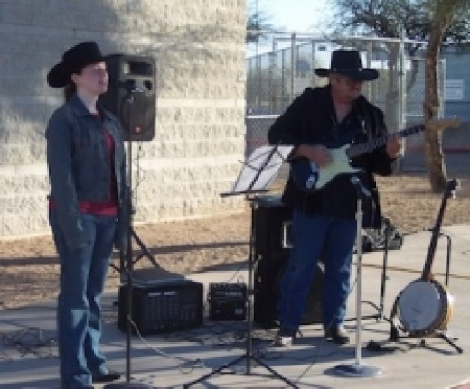 Kaity Bayne sings at the 2006 Walk-A-Thon for Diabetes