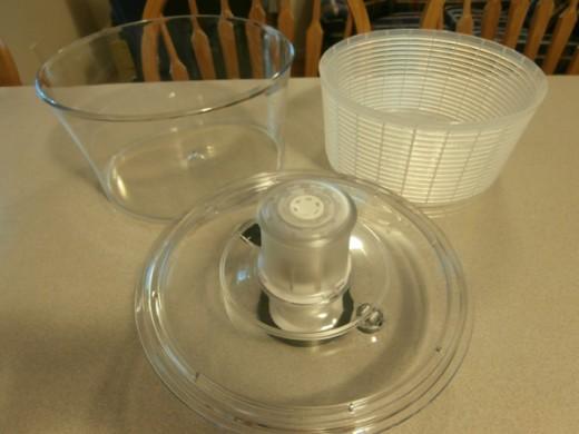 3 parts - bowl, basket, spinner top