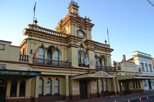 Day 2 - The buildings in the main street of Glen Innes are classic early Australian settlement style.