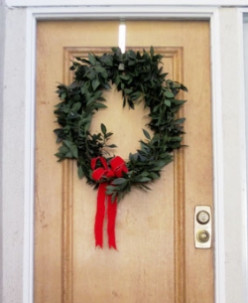 Make a Bay Leaf Christmas Wreath!