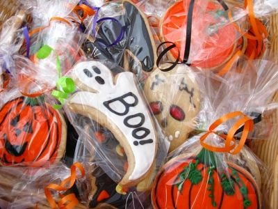 Make great Halloween treats with Halloween Cookie Cutters