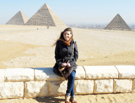 Visiting the pyramids with my purse in hand