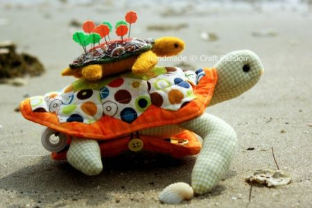 frog-and-turtle-pincushion