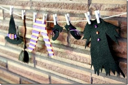 craft-witches-clothes-on-clothesline
