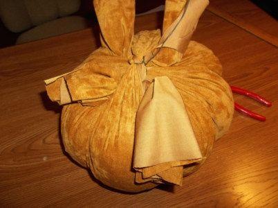suede-pumpkin-10