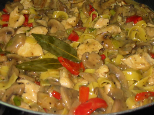 Mushroom sauce and pasta