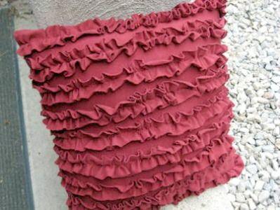 craft-t-shirt-narrow-ruffled-pillow