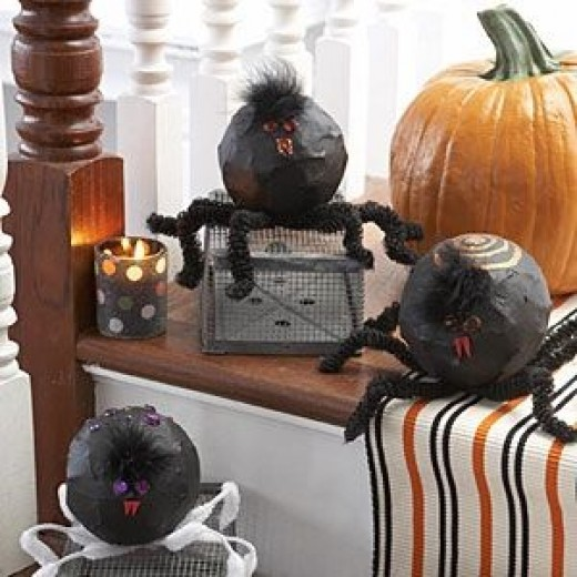 halloween-crafts-paper-mache-spiders
