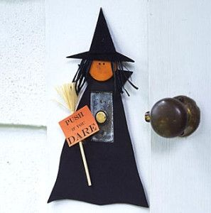 halloween-crafts-witch-doorbell