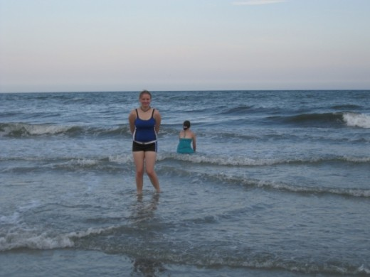 My oldest daughter loved the ocean too!