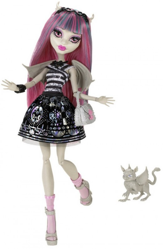 Rochelle Goyle Doll with Pet Roux