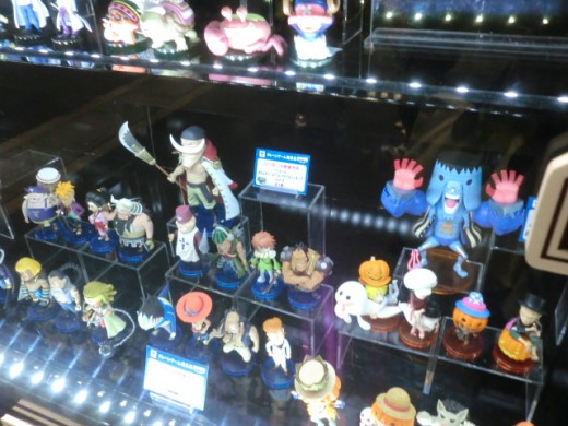 Collectible figurines, mostly One Piece