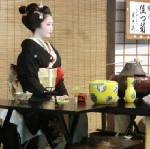 The tea ceremony before the show