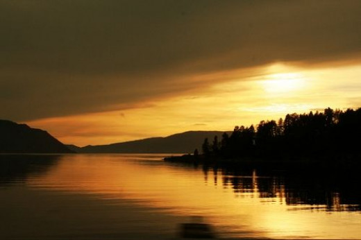 Sunset Lake Pend Orielle by Photographer Linda Hoxie