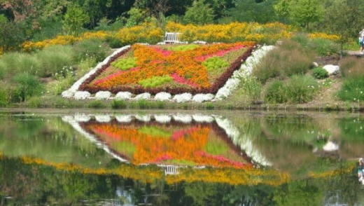 Reflected quilt garden looks twice its size