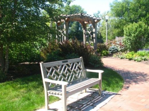 Bench And Trellis - Sturdy Garden Furnishings