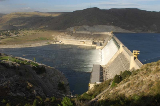 Grand Coulee Dam is the 7th largest power producing dam in the world.