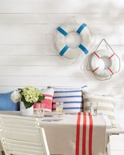 traditional nautical décor