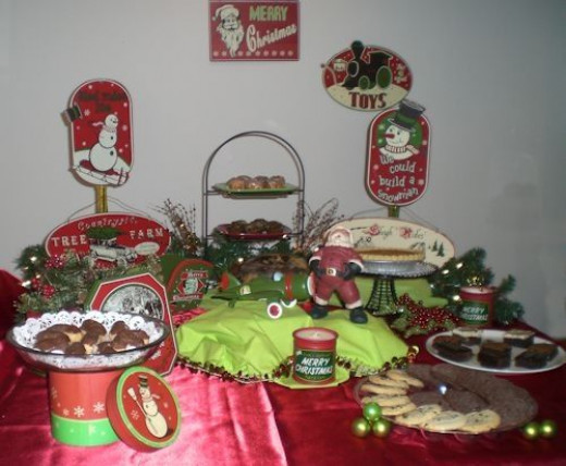 Christmas Party Ideas - Dessert Tables is 3 Styles - Retro, Elegant ...