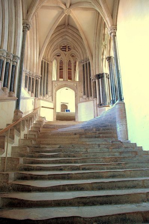 Wells Cathedral used for the interior of Nottingham Castle. These steps led to Lady Marion's room (first episode). By Josep Renalias (Own work) [CC-BY-SA-3.0 (http://creativecommons.org/licenses/by-sa/3.0)], via Wikimedia Commons