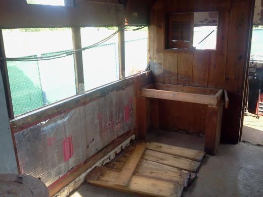 Wood panels reveal gross insulation.