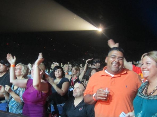The happy crowd at the Darius Rucker show