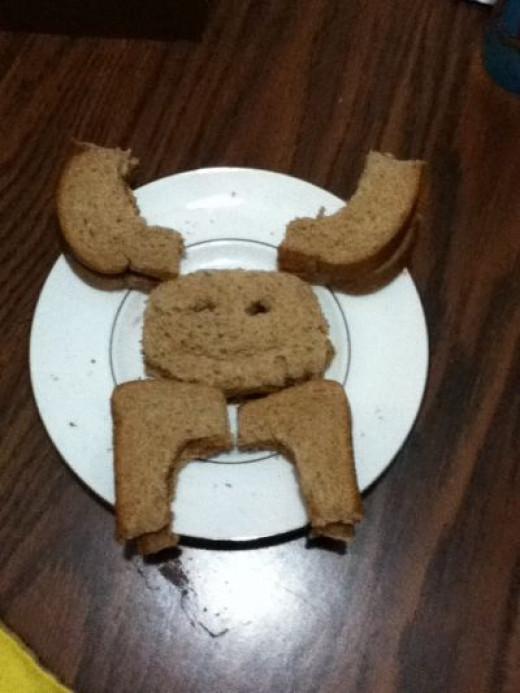 Moose Sandwiches Make Crusts Fun!