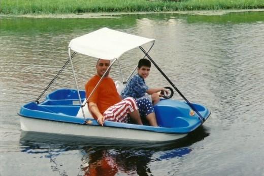 Paddleboat - Santos and his Derek