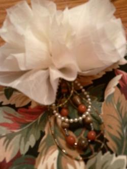 Cream Flower Tulle Bagh