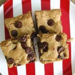 Bodacious Blondies: 9 Knock-Out Blonde Brownie Inspirations