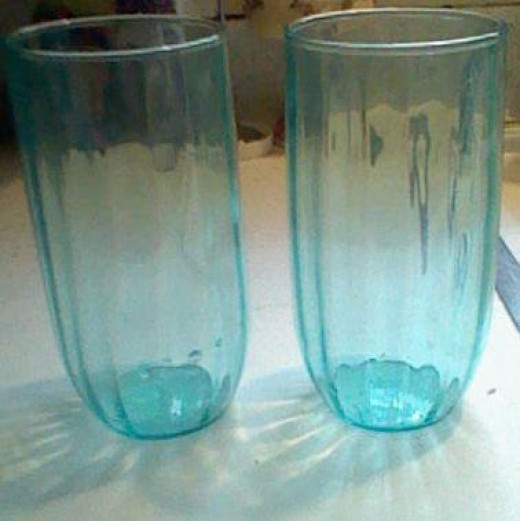 These are called bubble gum glasses as you had to redeem bubble gum labels to get them.