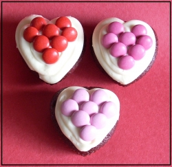 Heart Shaped Valentines Cupcakes