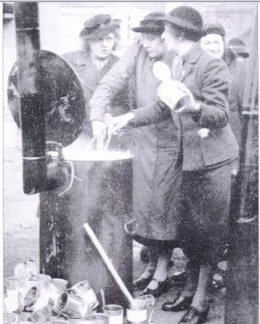 the WVS at work during a raid, March 1940