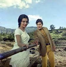Rajesh Khanna & Asha Parekh in Kati Patang (1970)