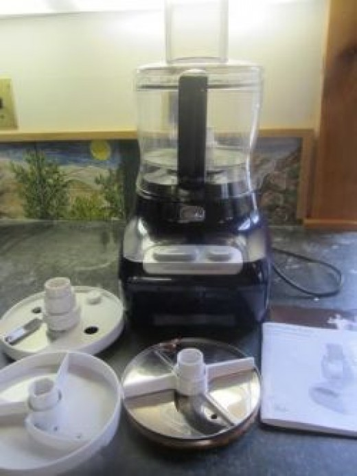 Lots of blades with the Wolfgang Puck 12-cup food processor