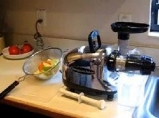 This is the Omega 8005 Juicer - EXCELLENT juicer!