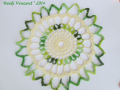 Simple Decorative Mixed Color Centerpiece - Crochet Motif - Crochet patterns