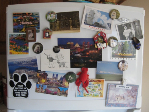 Collecting postcards on the refrigerator (photo by bossypants)