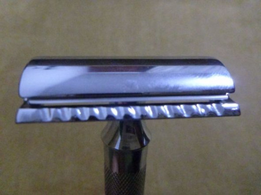 Close up of the Merkur 34C with the razor blade in place.