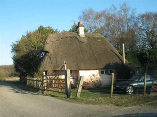 Old thatched cottage in The New Forest
