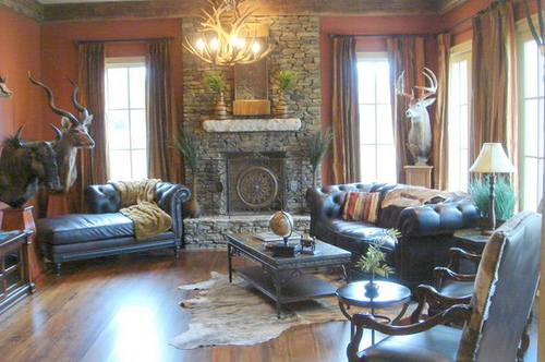 The classic rustic look complete with stuffed animals