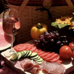My Favorite Wine Picnic Basket