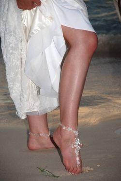 barefoot-beach-sandals
