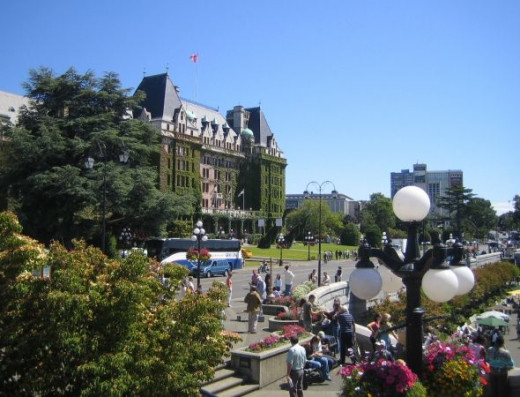 The Empress Hotel is a well-known landmark in Victoria. Restoration has preserved it as an excellent example of Edwardian architecture in Canada.