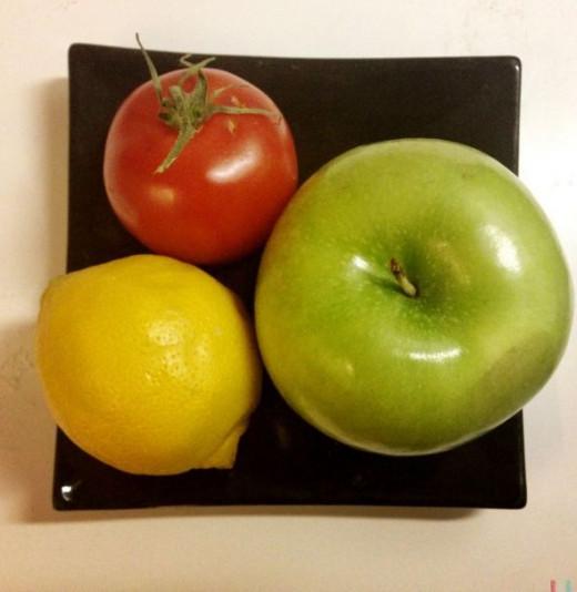 Simple tomato and apple salad
